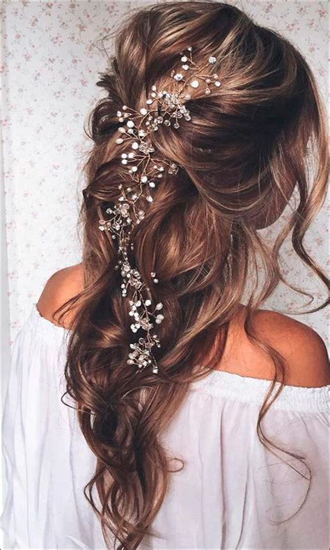 bridal hairstyles  medium hair   trending
