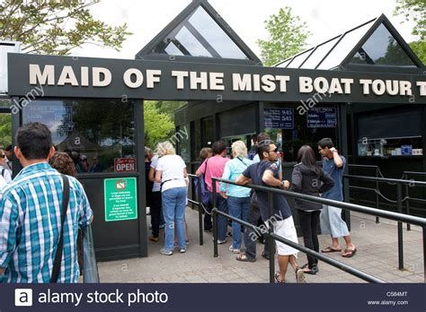 niagara falls boat tour ticket entrance and ticket kiosk for maid of the mist boat tour