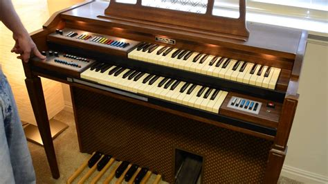 Electric Organ baldwin bravura 123 electric organ