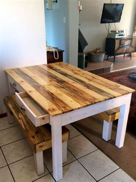 Dining Table Made From Pallets Pallet Dining Table And Bench 101 Pallets