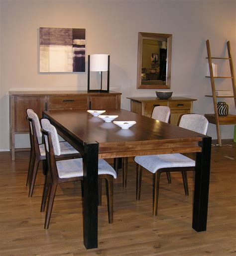 rectangular pedestal dining table kitchen traditional  banquette black  white