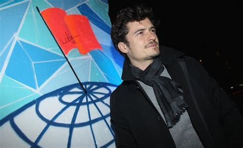 Orlando Bloom Does Details Is Wired The Entertainment by Gallery 10 Green All 4