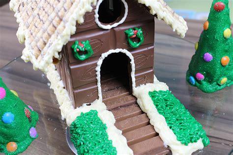 casas de chocolate diy casa comest 237 vel de chocolate carol e tha 237 s