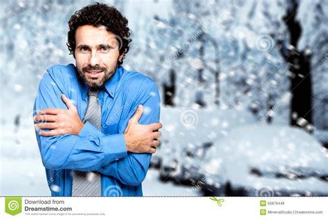 imagenes de invierno frio retrato de un hombre de negocios congelado en el invierno