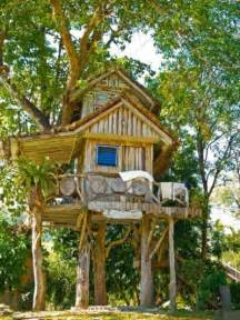 Backyard Play Fort 25 Best Ideas About Kid Tree Houses On Pinterest Diy
