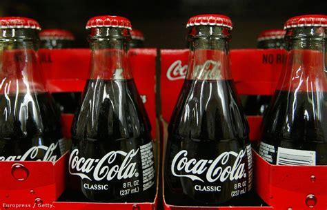 chris sullivan coca cola velvet 201 let 100 233 ves a coca col 225 s palack