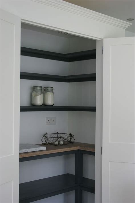 simple   pantry  sussex shaker kitchens