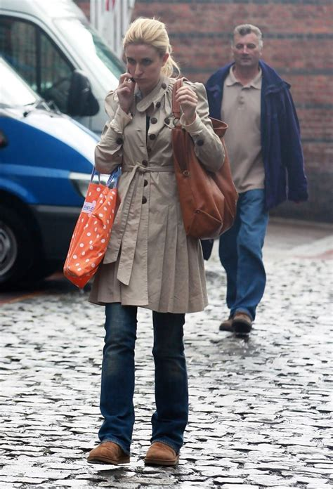 coronation street cast leaving katherine kelly in celebrities and cast members of