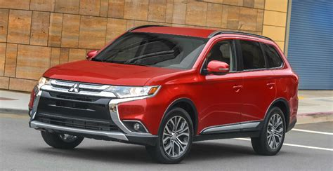 2016 Outlander Sel by The 2016 Mitsubishi Outlander Sel Vs Gt S Awc