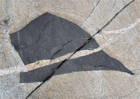 Soapstone Definition File A Granite Pluton With A Soapstone Inclusion Jpg