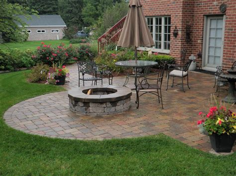 Hardscape And Backyard Patios Cms Landscape Design Backyard Patio Designs Pictures