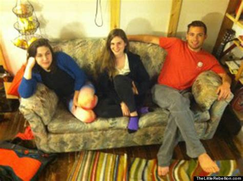 college students find money in couch friends find 40 000 hidden in secondhand couch and do