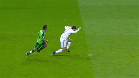 cristiano ronaldo dive how the disgraceful of diving is ruining the beautiful