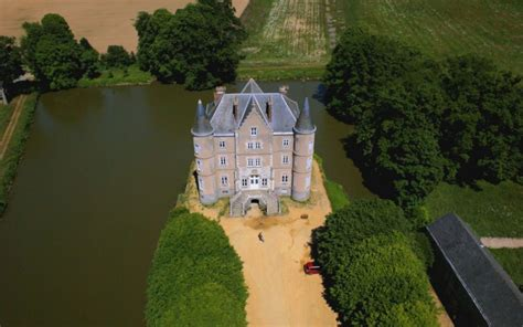 bedroom escape rave reviews press for escape to the chateau