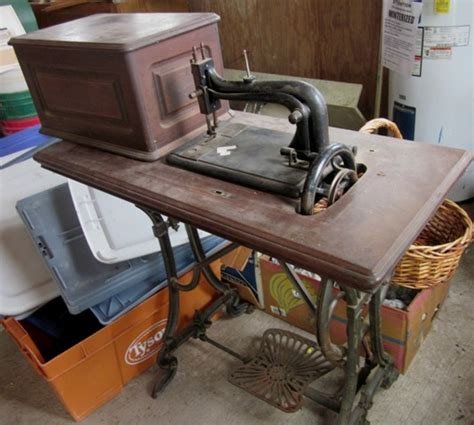 Vintage Sewing Machine Shop Machine Photos Page 5