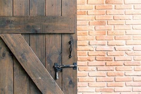 Diy Barn Doors How To Build Your Own And Save Big How To Make Your Own Barn Door