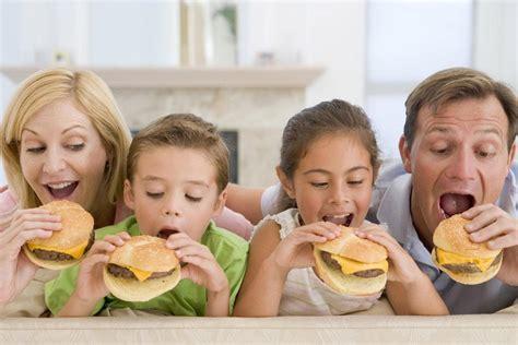 alimentazione dopo l anno cibo spazzatura per i bambini dopo l anno di et 224 dott