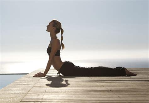 imagenes de yoga en la cama yoga liberinforma
