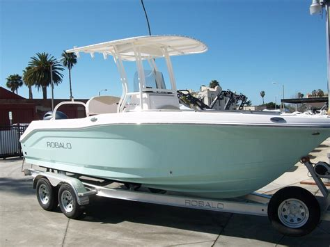 robalo boat battery 2017 robalo r200 center console power boat for sale www