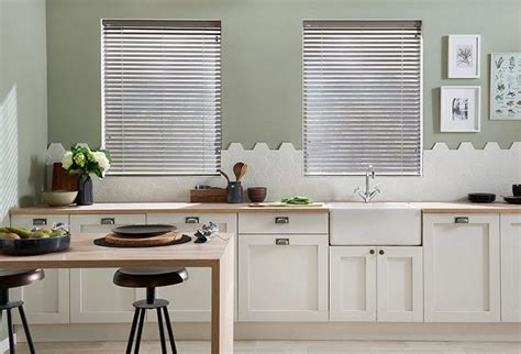 Kitchen Window Dressing Ideas Uk by How To Dress Your Kitchen Windows Property Price Advice
