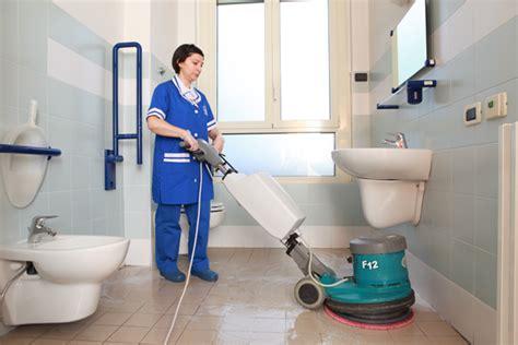 pulizia bagni il cigno pulizia spogliatoi e bagni