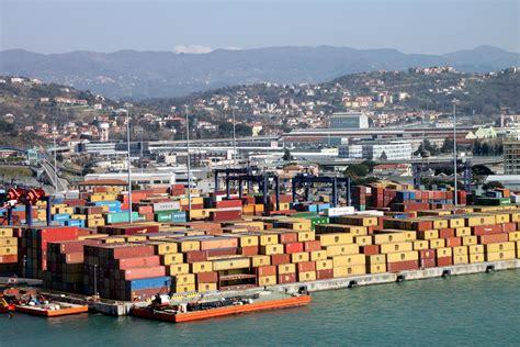 porto di la spezia economia la spezia il porto non conosce crisi traffici
