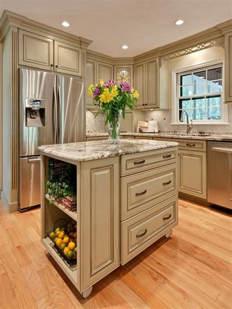 kitchen with small island 25 best ideas about small kitchen islands on