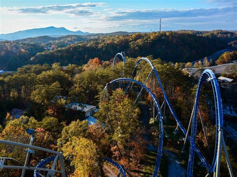 2018 dollywood and beyond a theme park lover s guide to the smoky mountain vacation region books 10 facts about dollywood you didn t