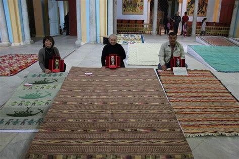 tappeti tunisini prezzi giovanna chessa il tappeto di nule trionfa all estero
