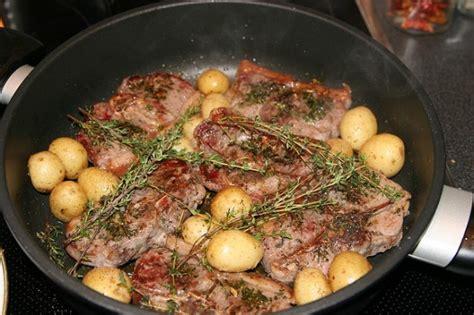 cucinare capretto in padella la ricetta capretto arrosto con patate in padella