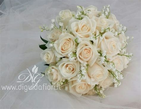 bouquet di fiori per sposa bouquet da sposa con e fiori di mughetto accessori