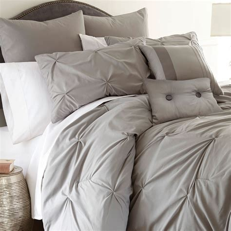 what are comforters best 25 luxury comforter sets ideas on pinterest red