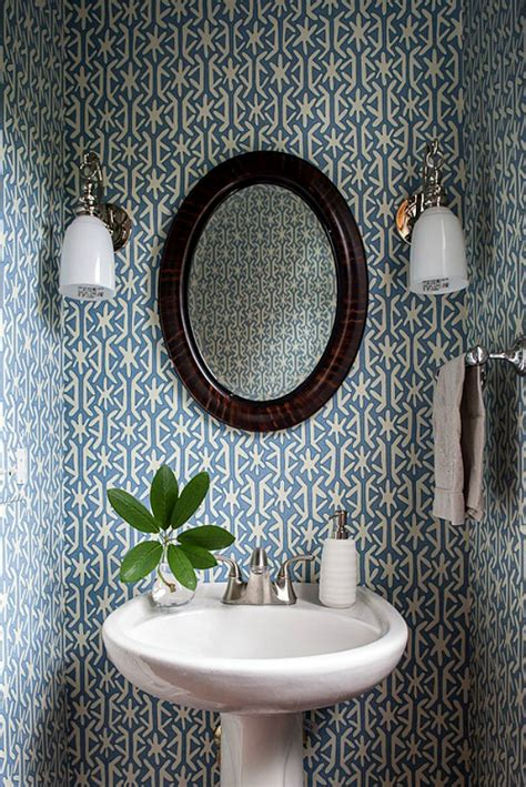 18 tips for rocking bathroom wallpaper powder room wallpaper home decorating trends homedit