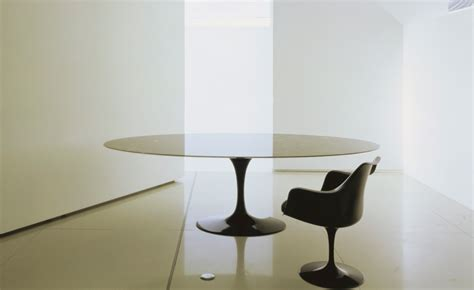 Saarinen Dining Table Calacatta Marble   hivemodern.com
