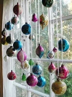 great way to display christmas ornaments christmas
