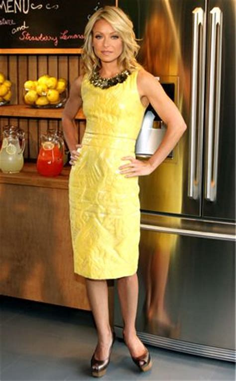 spotted kelly ripa and kids drink up moms babies celebrity 66 best kelly dresses from her show images on pinterest