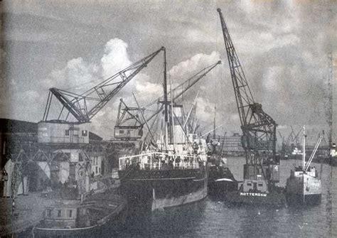 boten in rotterdamse haven thomsen havenbedrijf