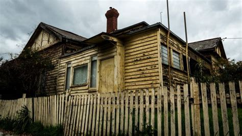 Who Is In Charge Of The House Of Representatives by Won T Charge Found Trapped Essendon House