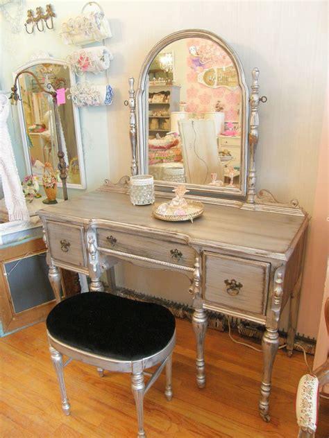 Vintage Bedroom Vanity Table by Vintage Bedroom Vanity Table Metallic Paint Vintage Chic