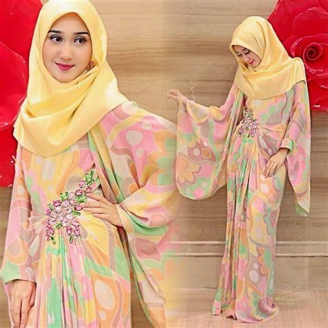 Gamis Sari I Umi 02 kreasi model gamis terbaru untuk lebaran 2017 modis modern