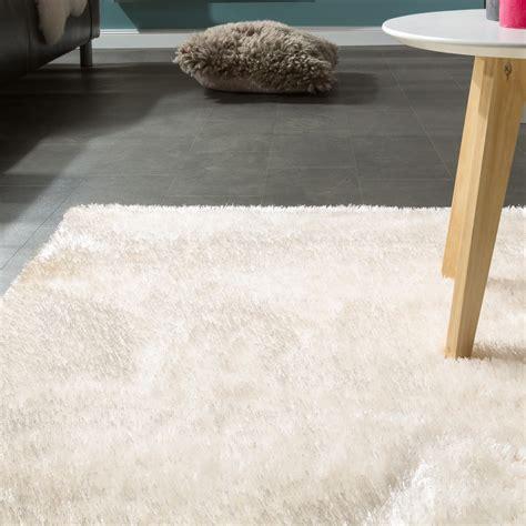 teppich einfarbig edler teppich shaggy einfarbig wei 223 hochflor teppiche