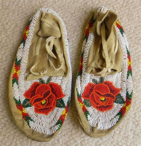 moccasin beading designs 469 best images about mocassins on iroquois