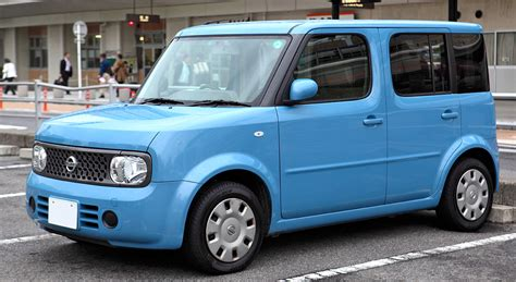 nissan cube ranking the best boxy cars off the throttle