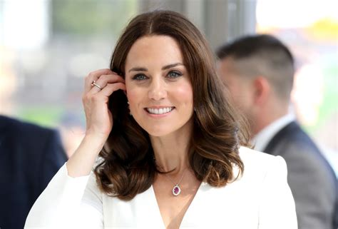 kate middleton s shocking new hairstyle kate middleton s new haircut has been given its own name
