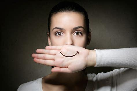 imagenes alegres para alguien triste depresi 243 n sonriente cuando la tristeza se esconde detr 225 s