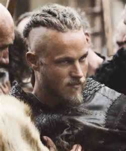 travis fimmel vikings hairstyle 18 best images about looks de serie hombres tv series looks for men on pinterest don draper