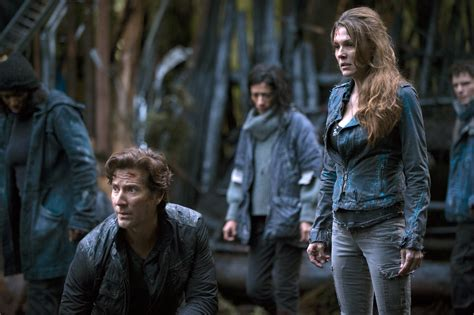 when will season 2 of the the 100 come out on netflix the 100 season 2 episode 1 quot the 48 quot photos