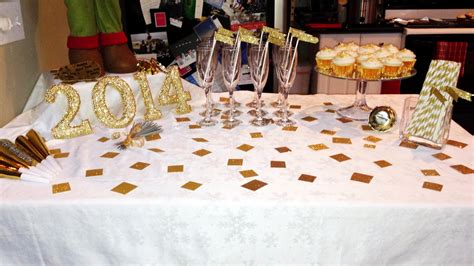 years table decorations choosing years 2014