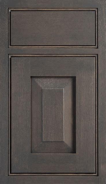 dura supreme cabinet reviews dura supreme cabinetry lancaster cabinet door style