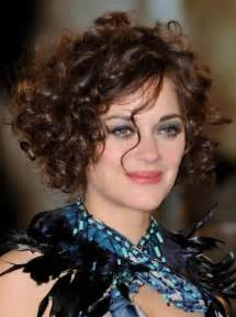 can you a feathered cut for thick curly hair 10 best short curly hairstyles for women style samba